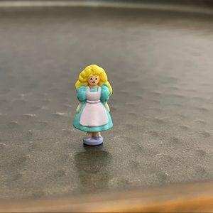 Vintage Polly Pocket Goldilocks doll
